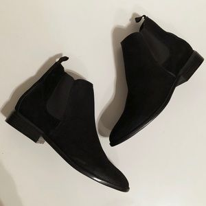 Delle Black Pull On Ankle Bootie